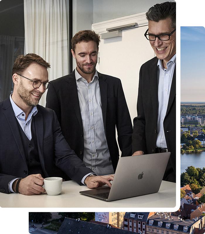 På kontoret i København